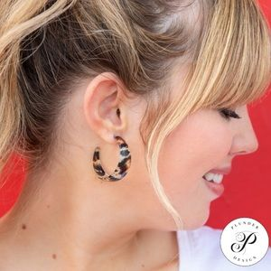 NWT Plunder Cocoa Earrings